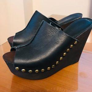 Charles David stud leather platform wedges Sz 9